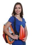 Estudiante atractivo con el pelo oscuro y la mochila largos Fotografía de archivo