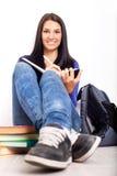 Estudiante bonito en rotura Imagenes de archivo