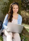 Estudiante con el ordenador Foto de archivo