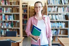 Estudiante con los cuadernos Fotos de archivo libres de regalías