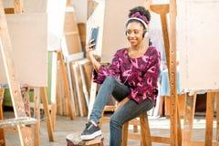 Estudiante creativo en la universidad Fotos de archivo libres de regalías