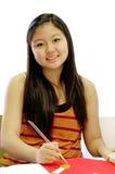Estudiante de arte en sala de clase Imágenes de archivo libres de regalías
