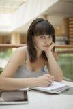 Estudiante de la belleza en campus fotografía de archivo