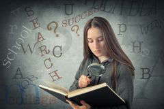 Estudiante de la chica joven fotos de archivo libres de regalías