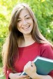 Estudiante de la felicidad al aire libre Foto de archivo libre de regalías