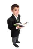 Estudiante de la High School secundaria con el libro de texto fotos de archivo