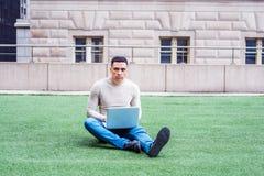 Estudiante de tercer ciclo americano que estudia en Nueva York Imagen de archivo libre de regalías