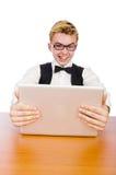 Estudiante elegante que se sienta con el ordenador portátil Imágenes de archivo libres de regalías