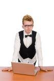 Estudiante elegante que se sienta con el ordenador portátil aislado encendido Imagen de archivo