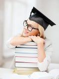 Estudiante en casquillo de la graduación Fotografía de archivo libre de regalías