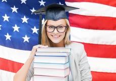 Estudiante en casquillo de la graduación Imagen de archivo