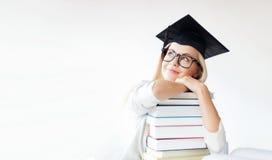Estudiante en casquillo de la graduación Fotos de archivo libres de regalías