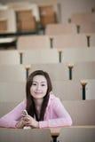Estudiante en sala de clase Foto de archivo