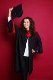 Estudiante en vestido de la graduación Fotografía de archivo