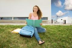 Estudiante hermoso del adolescente Fotos de archivo libres de regalías