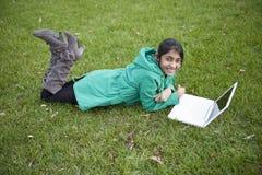 Estudiante indio en al aire libre Foto de archivo