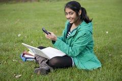 Estudiante indio en al aire libre Imagen de archivo