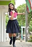 Estudiante internacional adolescente femenino emocionado feliz Foto de archivo