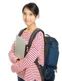 Estudiante joven con el ordenador y la mochila Fotos de archivo