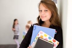 Estudiante joven sonriente hermoso. Imagen de archivo libre de regalías