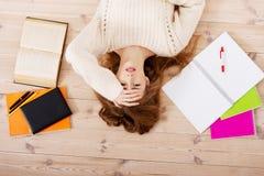 Estudiante preocupante de exámenes Imágenes de archivo libres de regalías
