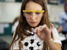 Estudiante que aprende concepto de la ciencia Fotos de archivo