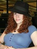Estudiante que lleva del sombrero imágenes de archivo libres de regalías