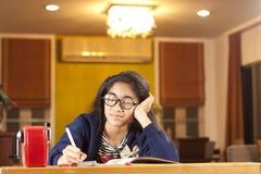 Estudiante soñoliento Imagen de archivo libre de regalías