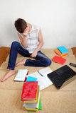 Estudiante triste en casa Imagen de archivo