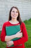 Estudiante universitaria fresca atractiva afuera Imagen de archivo