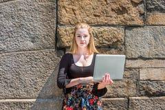 Estudiante universitario adolescente americano joven que estudia en Nueva York Imagen de archivo libre de regalías