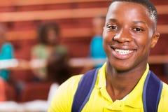 Estudiante universitario africano de sexo masculino Imagen de archivo libre de regalías