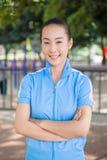 Estudiante universitario chino sonriente Foto de archivo libre de regalías