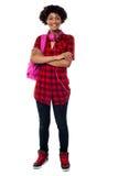 Estudiante universitario elegante con los brazos plegables Fotografía de archivo libre de regalías