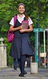 Estudiante Walking To School fotografía de archivo libre de regalías