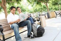 Estudiantes adolescentes atractivos en la universidad Fotos de archivo libres de regalías