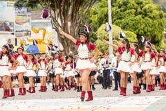 Estudiantes del entusiasta que bailan en la calle Imagen de archivo libre de regalías