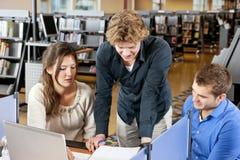 Estudiantes del grupo de trabajo Imagen de archivo libre de regalías