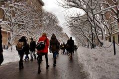 Estudiantes en la Universidad de Columbia en la nieve Fotografía de archivo