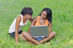 Estudiantes que se divierten Fotos de archivo