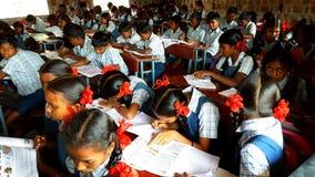 Estudiantes tribales en la India Imagen de archivo