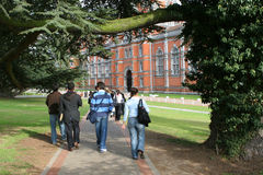 Estudiantes universitarios Fotos de archivo
