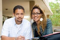 Estudiantes universitarios foto de archivo libre de regalías