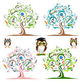 Estudie el árbol y los búhos alegres stock de ilustración