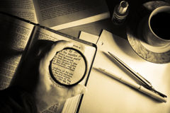 Estudio 3 de la biblia imagenes de archivo