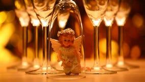 Estudio de cristal del ángel del champán de la boda