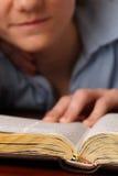 Estudio de la biblia fotografía de archivo libre de regalías