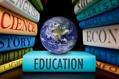 Estudio de los libros de escuela de la educación a aprender Imagenes de archivo