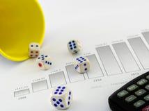 Estudio de mercado con, probabilidad, dados, histograma, cálculo, etc foto de archivo