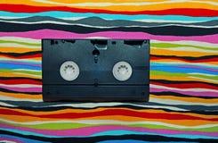 Estudio del fondo del arco iris del casete de VHS imagenes de archivo